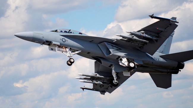 379732_US-warplane1