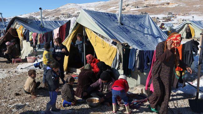 388320_Syria-Lebanon-Refugees