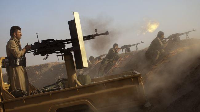 392033_Kurdish-fighters (1)