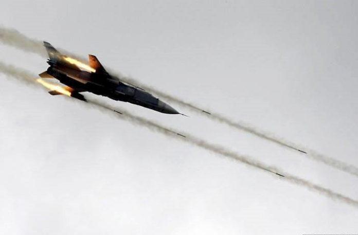 Syrian-Airforce-Strikes-Ar-Raqqah-696x457