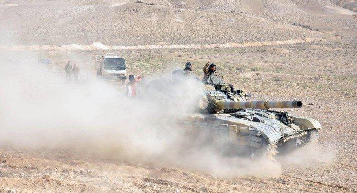 Syrian-tank-eastern-Palmyra-front-696x377-2
