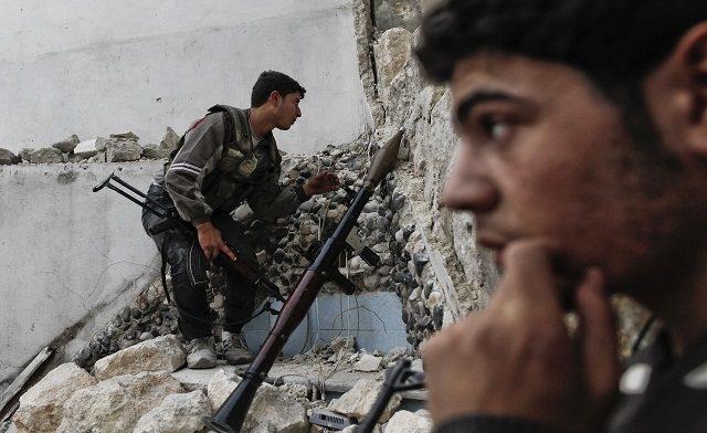 Rebel-fighters-in-Damascus-e1481704744859