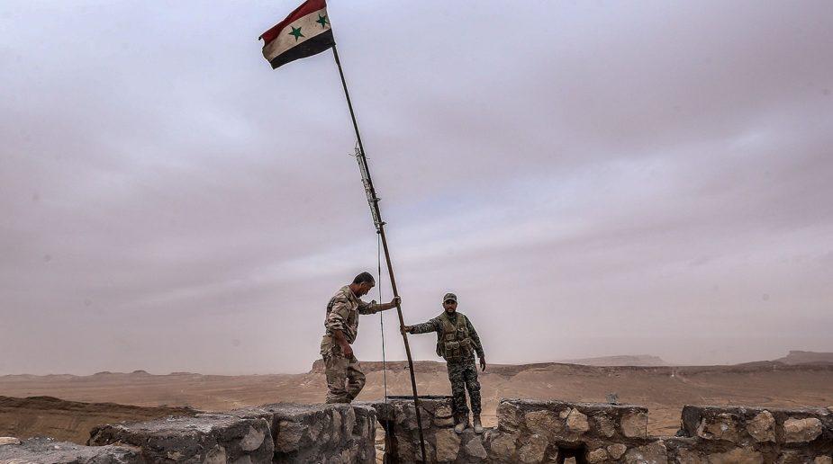 Syrian-Army-desert-925x516